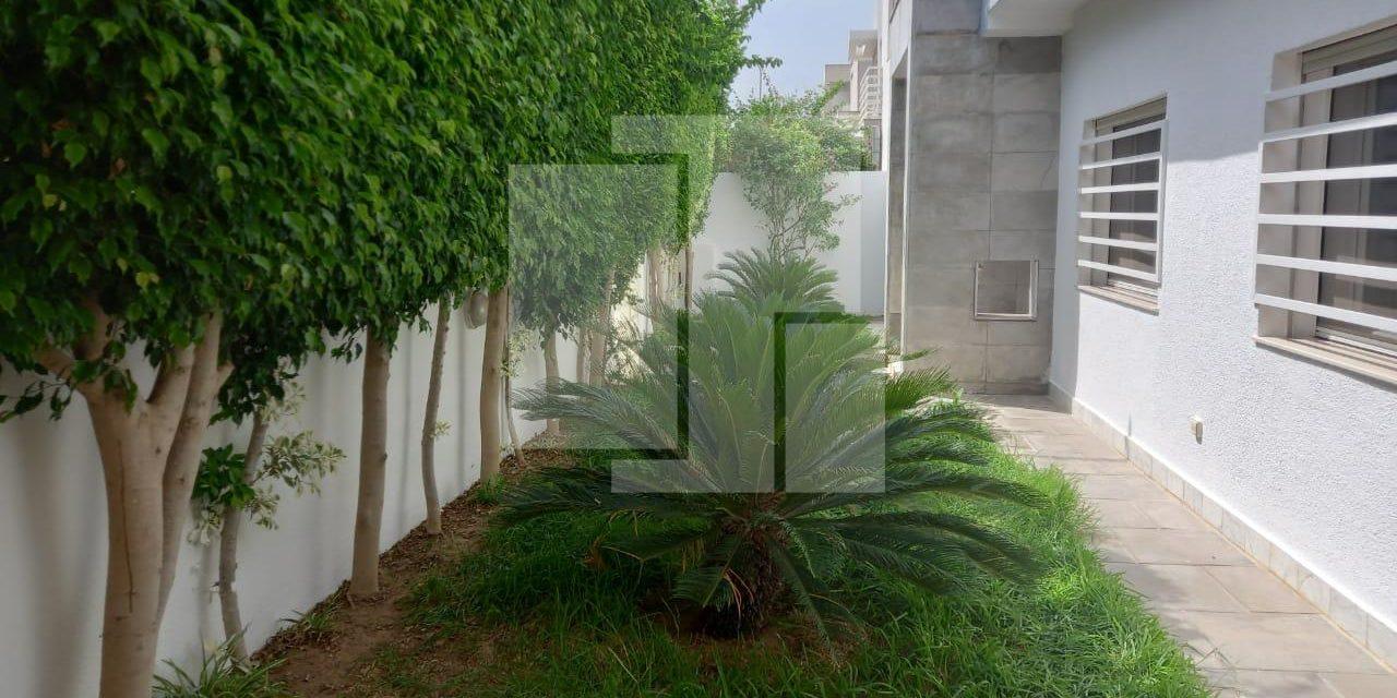Duplex avec jardin et garage, La Marsa