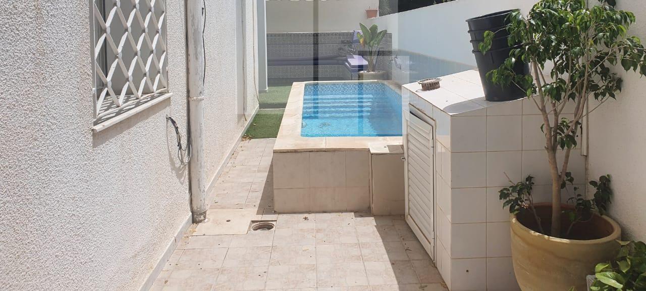 Villa avec piscine et jardin, Carthage Byrsa
