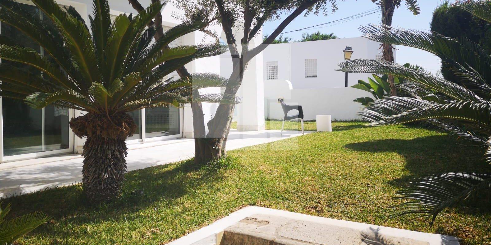 Villa avec piscine sur le port punique, Carthage Dermech